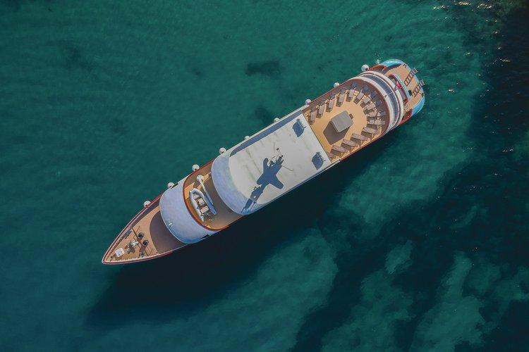 Motor yacht boat for rent in Split
