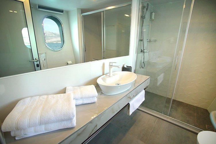 This 160.0' Custom cand take up to 38 passengers around Split