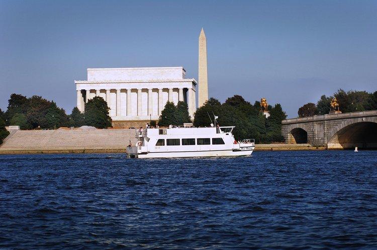 Boat rental in Washington, DC