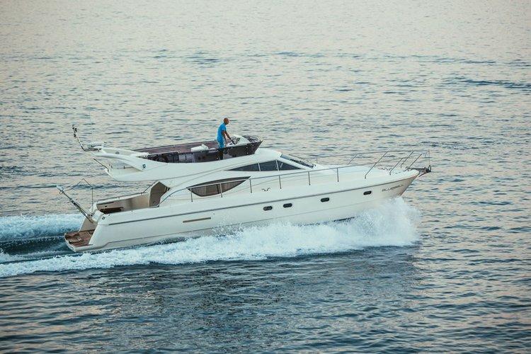Charter this amazing motor boat in Split region