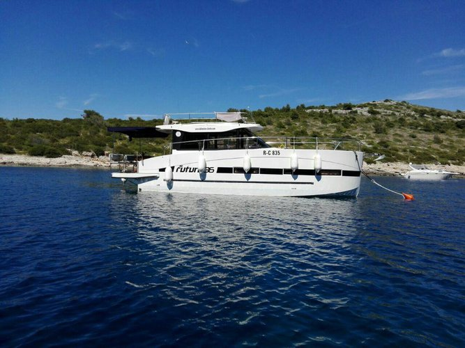 Enjoy luxury and comfort on this Zadar region motor boat charter