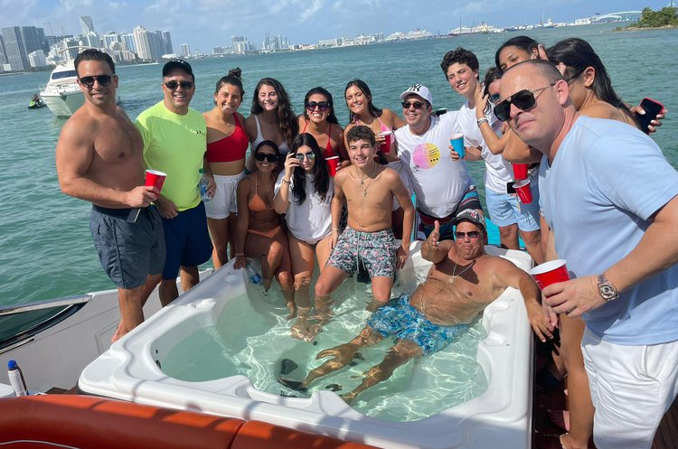 This 92.0' Luxury, Events & Large groups cand take up to 13 passengers around Miami