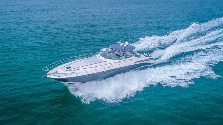 This 54.0' Sea Ray cand take up to 10 passengers around North Bay Village