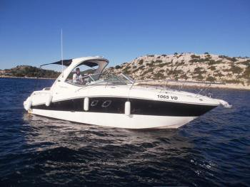 Relax on board our motor boat charter in Šibenik region