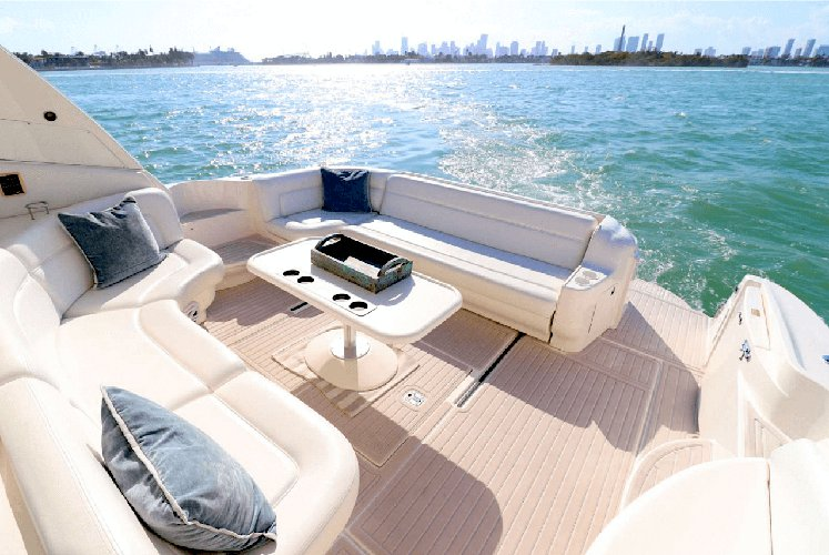 50′ Searay – Day Charter in Miami