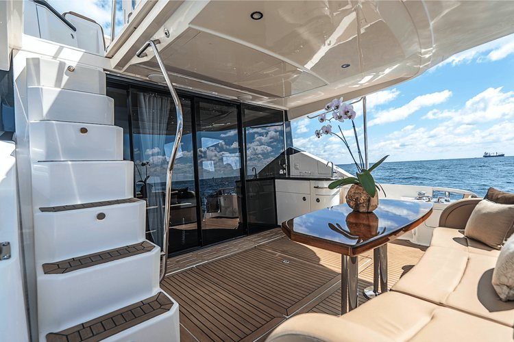 Boat for rent Searay 65.0 feet in Atlantis Marina, Bahamas