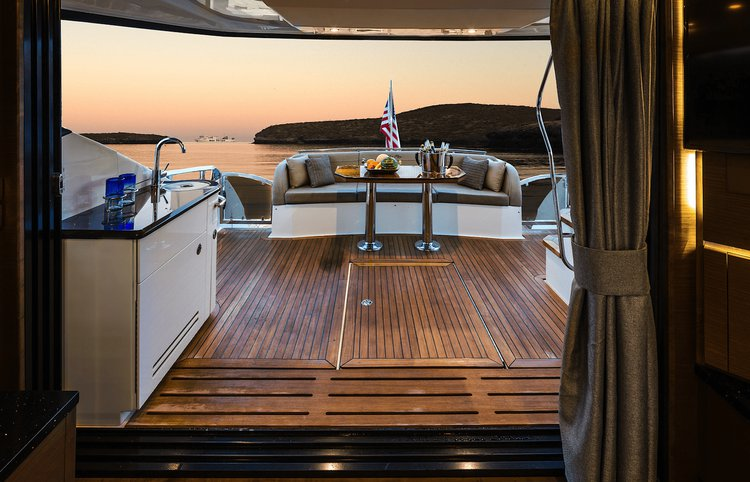 Up to 13 persons can enjoy a ride on this Motor yacht boat
