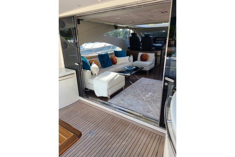 "Discover Newport surroundings on this Express 71"" Uniesse boat"