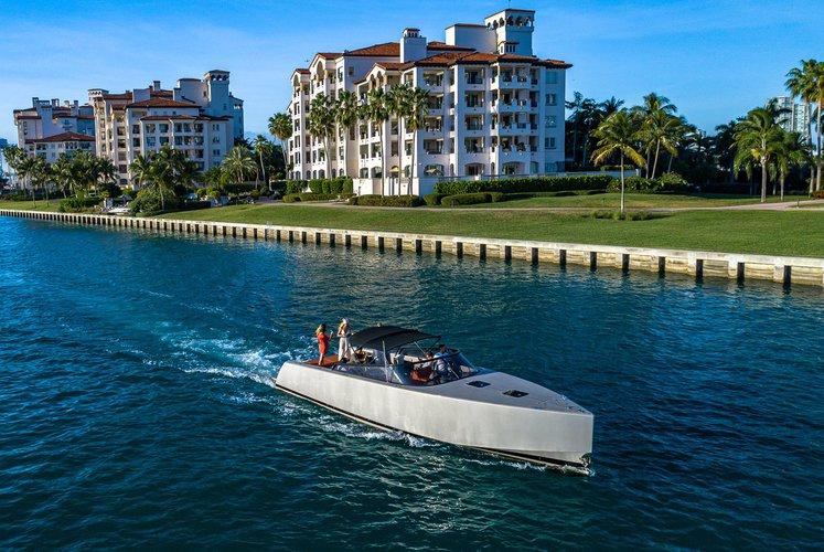 Vandutch Marine's 40.0 feet in Miami Beach