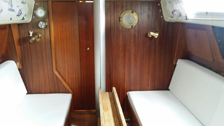 Discover Stockholm County surroundings on this Albin Ballad 31 Albin Marin boat