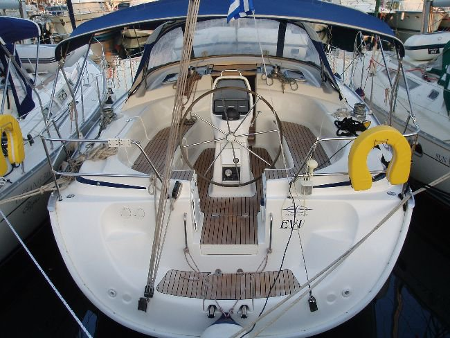 Jump aboard this beautiful Bavaria Yachtbau Bavaria 39 Cruiser