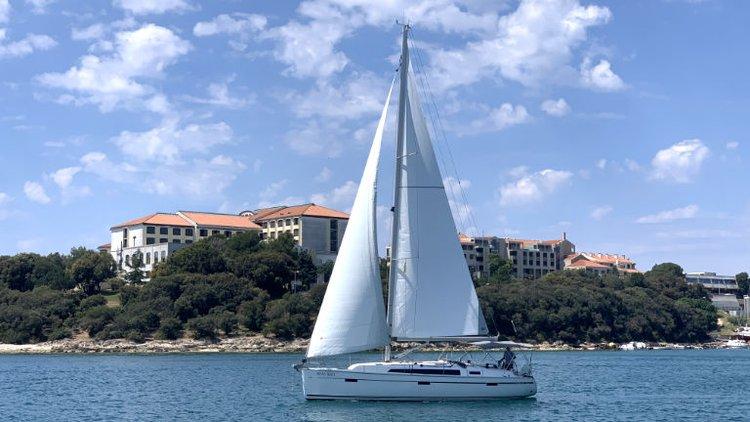 Discover Istra surroundings on this Bavaria Cruiser 41 Bavaria Yachtbau boat