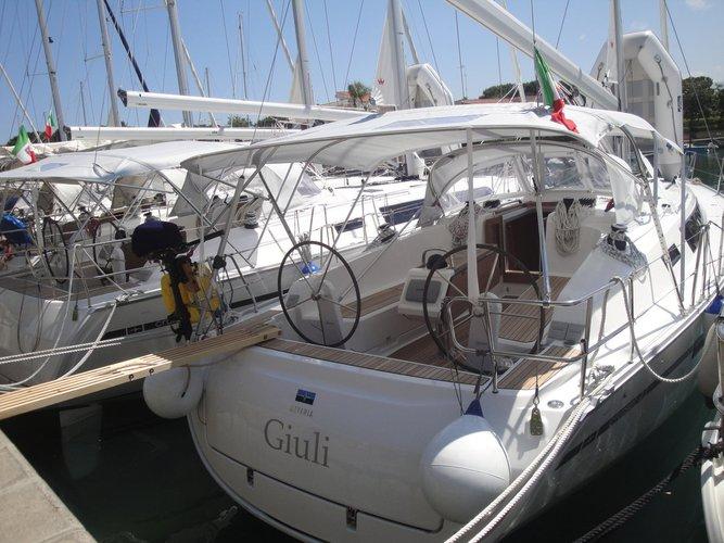 This 40.0' Bavaria Yachtbau cand take up to 8 passengers around Sicily