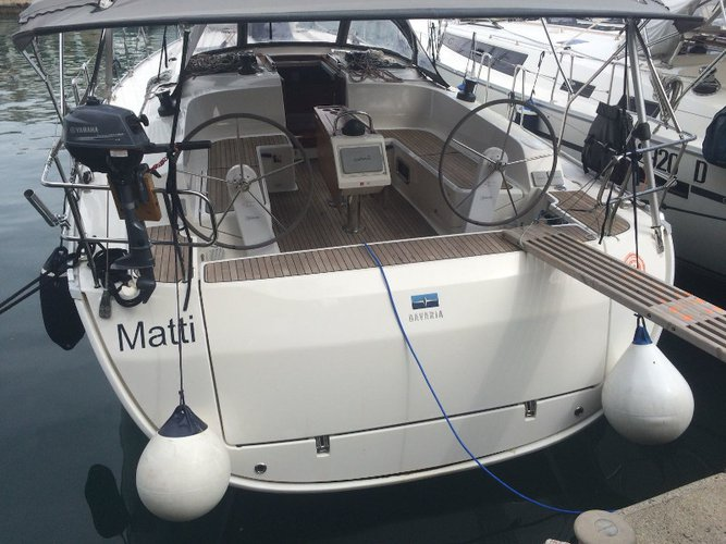 Relax on board our sailboat charter in Scarlino - Puntone
