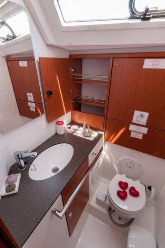 Boat for rent Bavaria Yachtbau 46.0 feet in Marina Alimos (Kalamaki), Greece