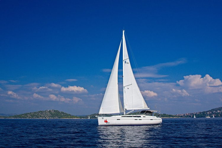 This 46.0' Bavaria Yachtbau cand take up to 9 passengers around Šibenik region