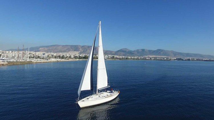 This 50.0' Bavaria Yachtbau cand take up to 12 passengers around Saronic Gulf