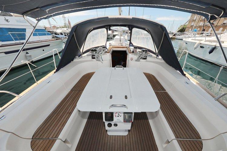 This 50.0' Bavaria Yachtbau cand take up to 11 passengers around Zadar region