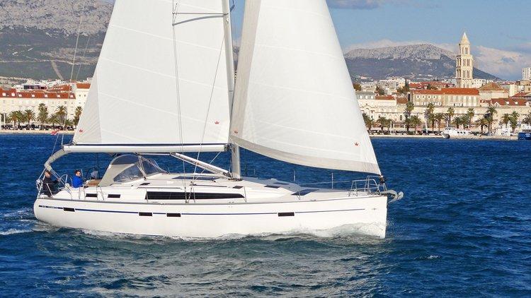 This 51.0' Bavaria Yachtbau cand take up to 12 passengers around Split region