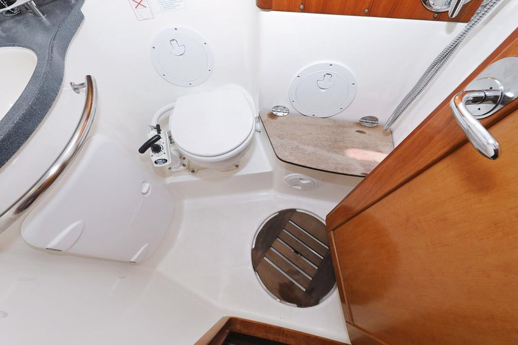 Up to 11 persons can enjoy a ride on this Bavaria Yachtbau boat