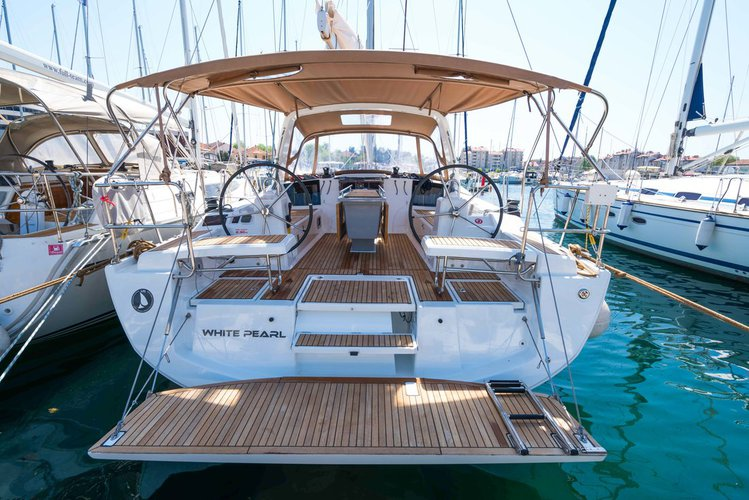 Discover Zadar region surroundings on this Oceanis 41.1 Bénéteau boat