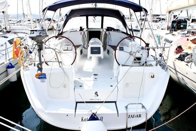 This sailboat charter is perfect to enjoy Zadar region
