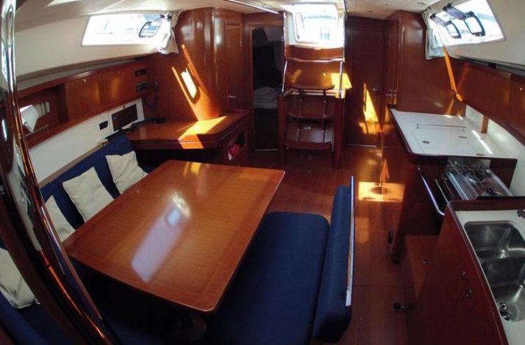 Discover Thessaly surroundings on this Oceanis 46 Bénéteau boat