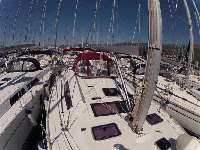 Discover Zadar region surroundings on this Oceanis 46 Bénéteau boat