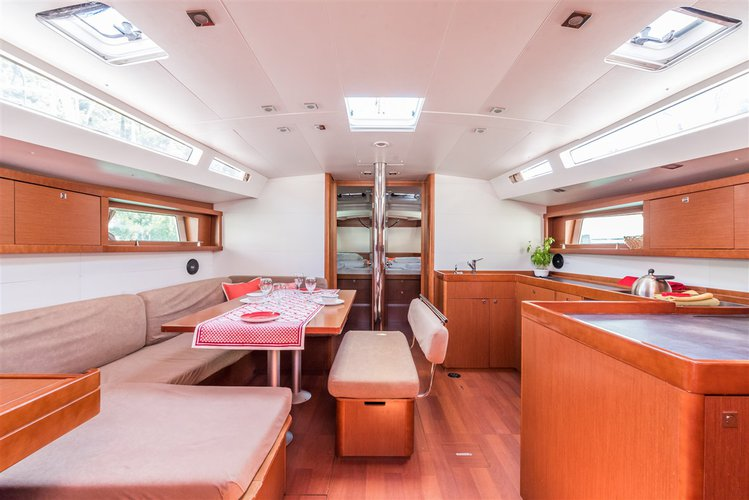 Discover Dubrovnik region surroundings on this Oceanis 48 Bénéteau boat