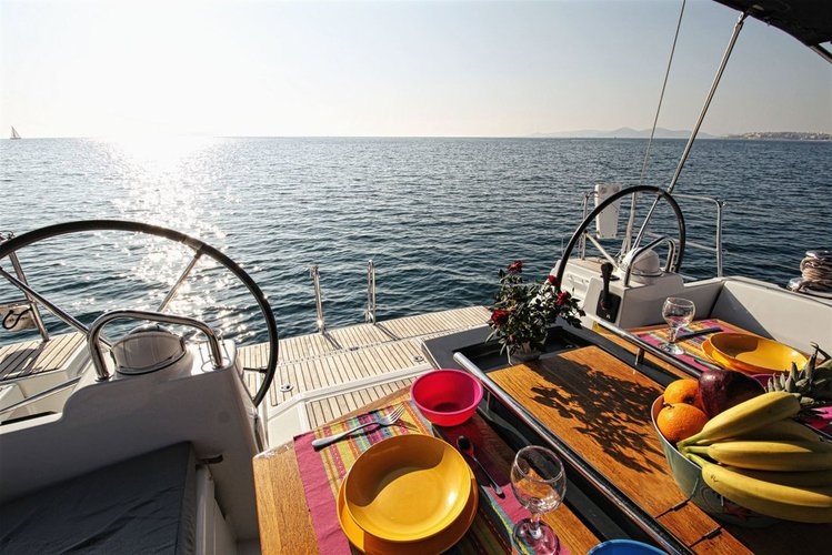 Bénéteau's 47.0 feet in Saronic Gulf