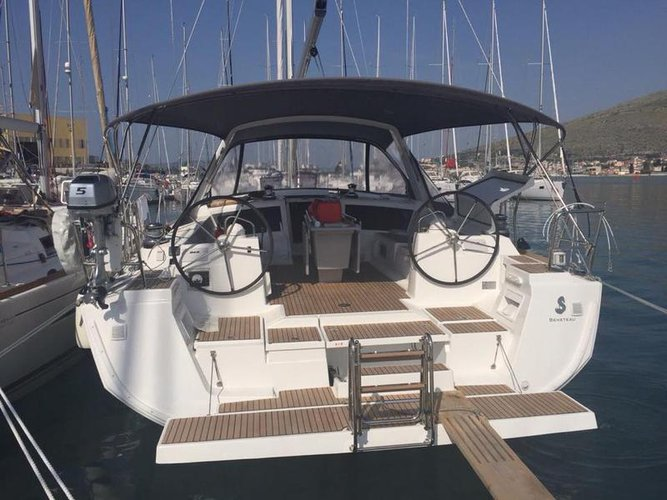 Charter this amazing Bénéteau Oceanis 48 in Split region, HR