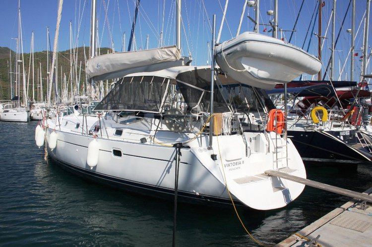 This 50.0' Bénéteau cand take up to 9 passengers around Aegean