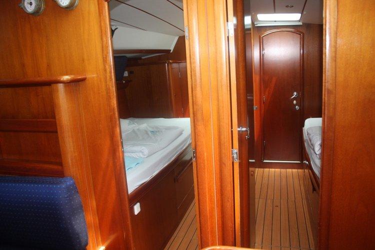 Discover Aegean surroundings on this Beneteau 50 Bénéteau boat