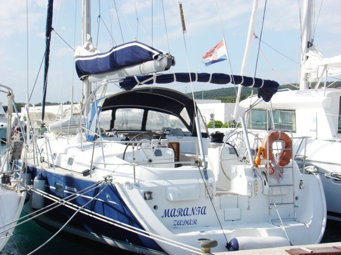 This 50.0' Bénéteau cand take up to 9 passengers around Zadar region