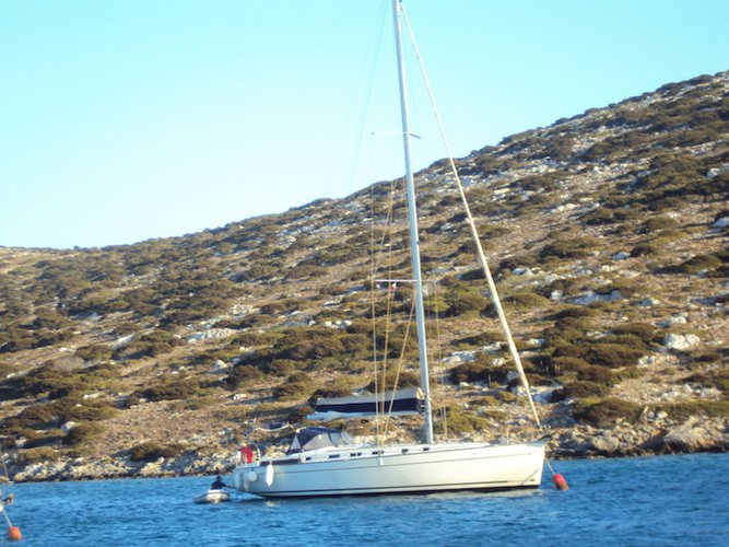 This sailboat charter is perfect to enjoy Rhodes