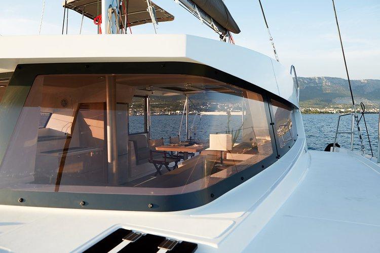 Catana's 39.0 feet in Split region