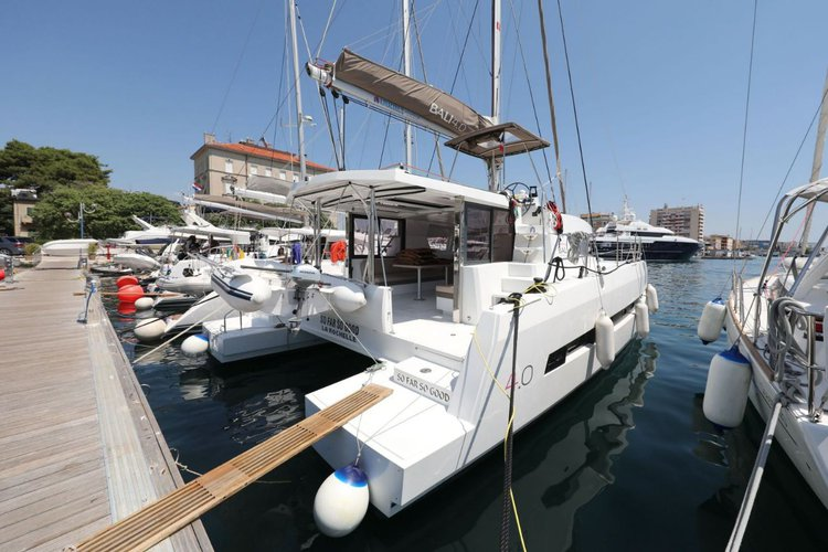 Enjoy luxury and comfort on this Catana Bali 4.0 in Zadar region