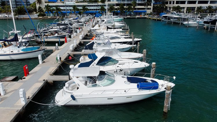 Chris Craft boat for rent in Miami Beach