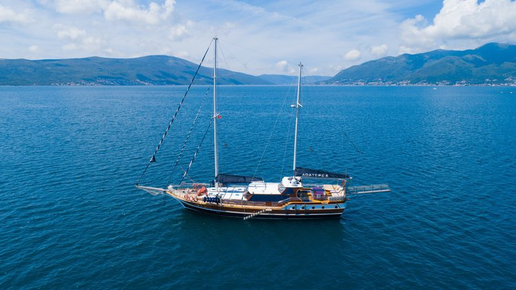 Gulet boat for rent in Tivat