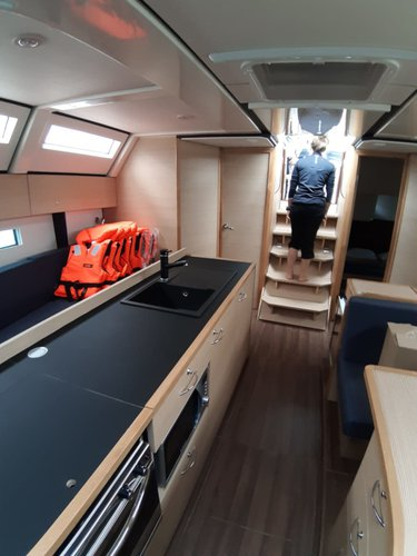 This 48.0' D&D Yacht cand take up to 12 passengers around Split region