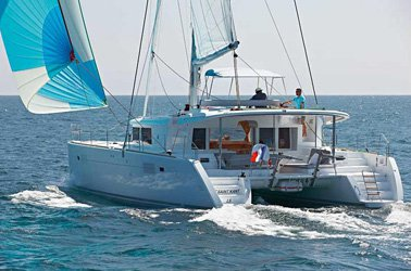 Set the sail aboard this luxurious Lagoon 450 in Newport
