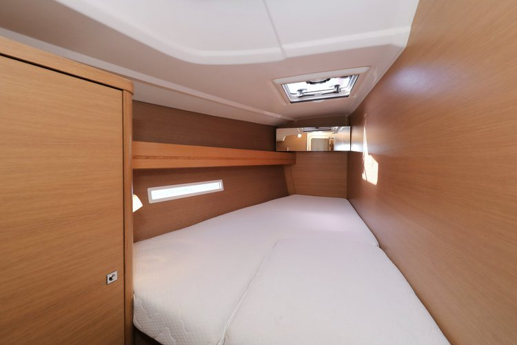 This 44.0' Dufour Yachts cand take up to 10 passengers around
