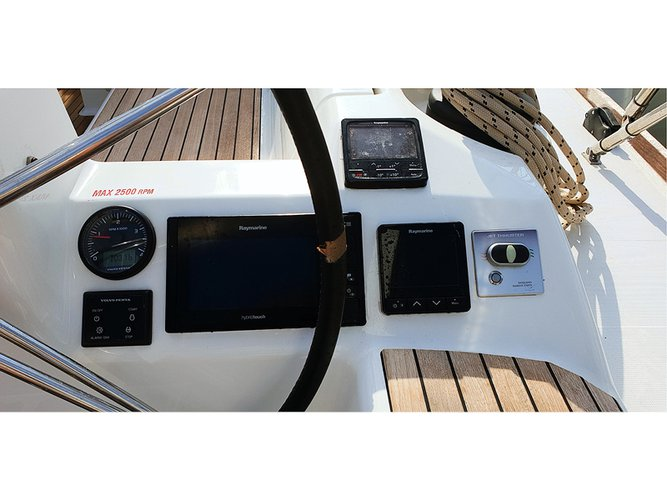 Discover Šibenik region surroundings on this Dufour 460 GL Dufour Yachts boat