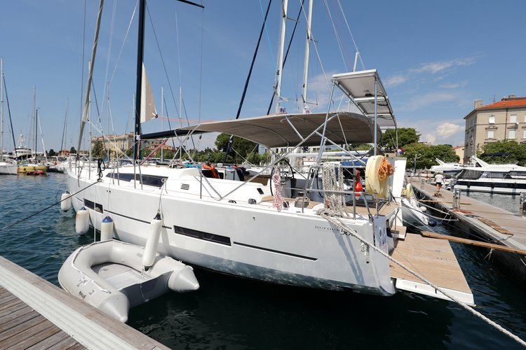 Jump aboard this beautiful Dufour Yachts Dufour 560 GL
