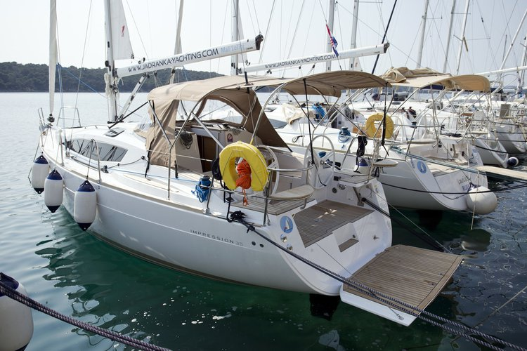 This sailboat charter is perfect to enjoy Kvarner