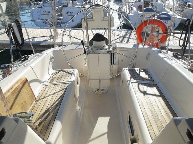 Discover Zadar region surroundings on this Elan 333 Elan Marine boat
