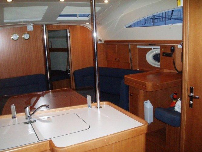 This 37.0' Elan Marine cand take up to 8 passengers around Dodecanese