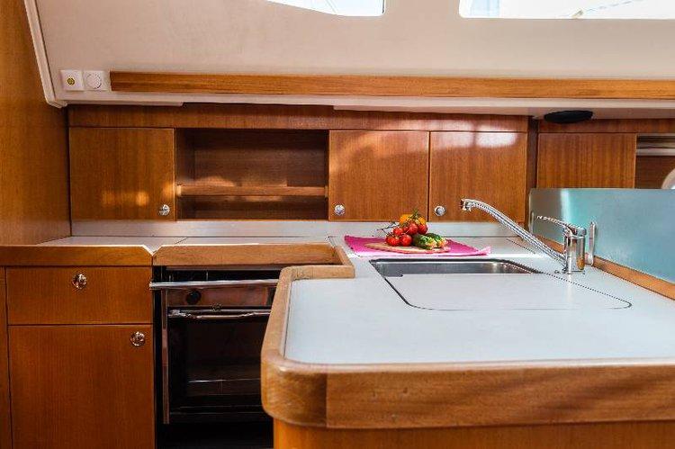 Discover Split region surroundings on this Elan 384 Impression Elan Marine boat