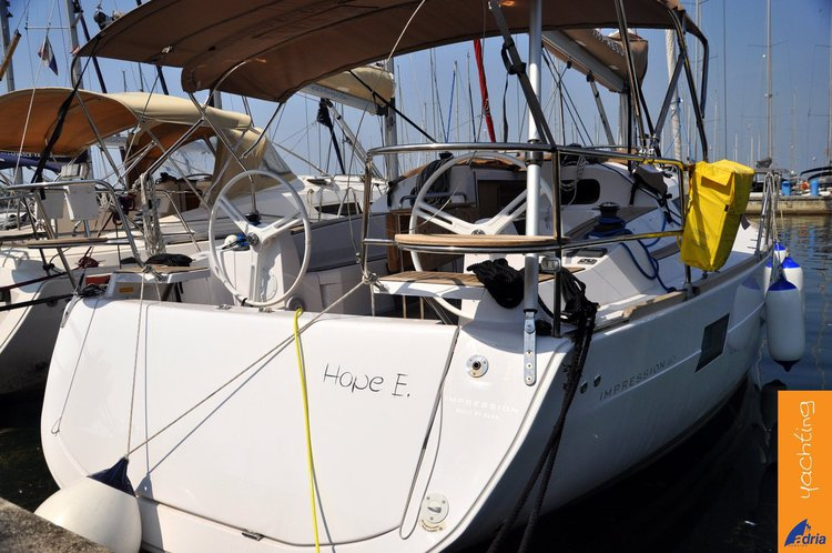 Elan Marine's 39.0 feet in Primorska