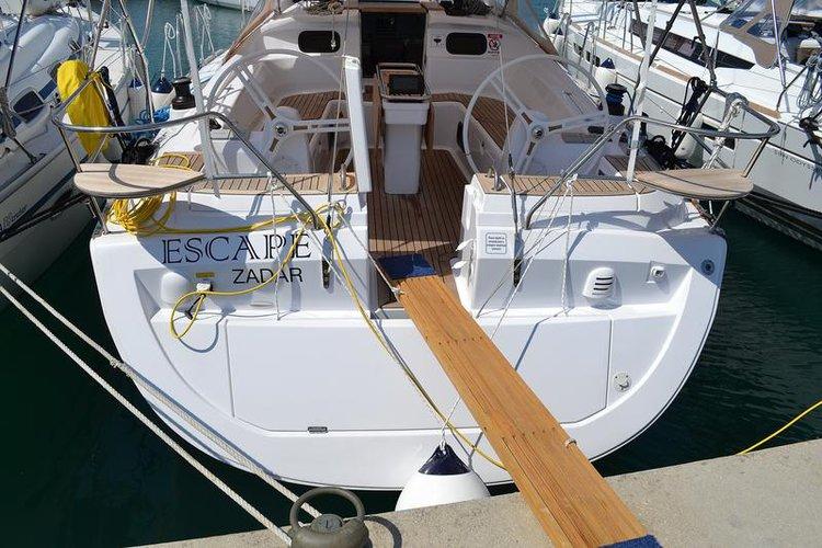 Enjoy luxury and comfort on this Elan Marine Elan 444 Impression in Zadar region